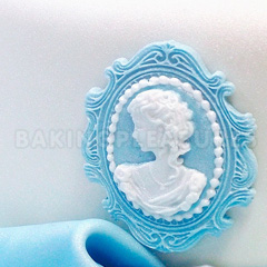Katy Sue Oval Cameo & Frame 2 Silicone Mould